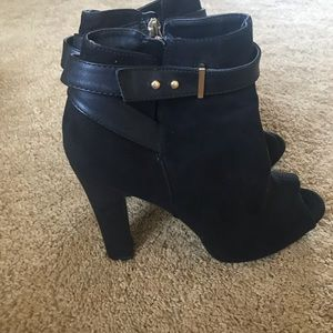 Sam & Libby Black open toe boots size 9.5